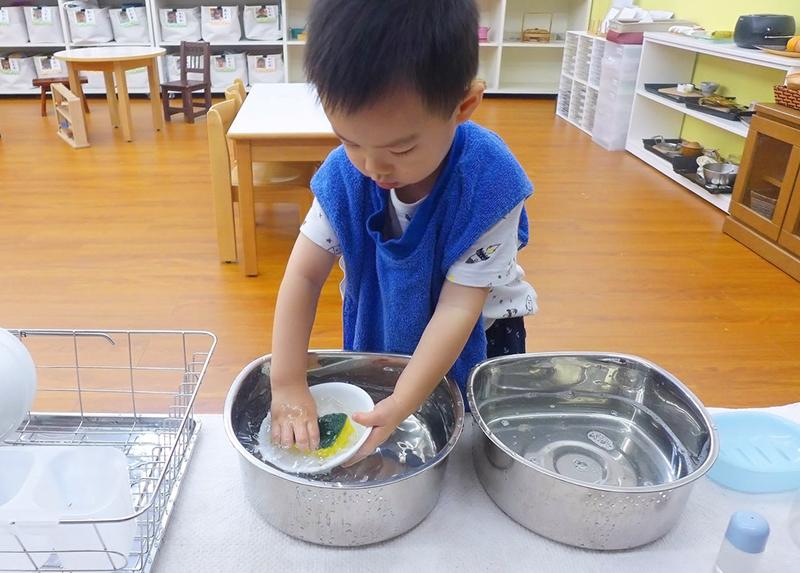 吃飽飯洗自己的碗