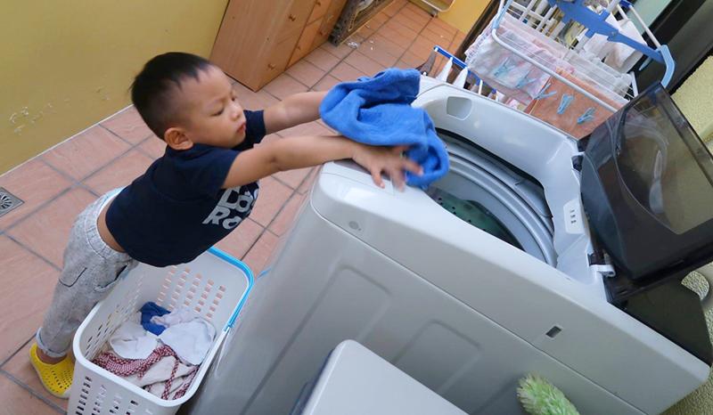 幫忙洗衣服