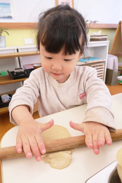 手工製「金元寶」水餃